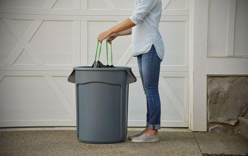 """По законам фэншуй, мусорное ведро не должно стоять в """"зоне успеха"""""""