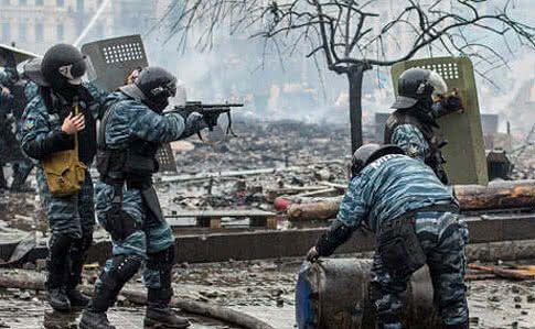 """""""Их обвиняют в расстрелах, а они гуляют по Киеву"""": почему вернулись беркутовцы и что будет дальше"""