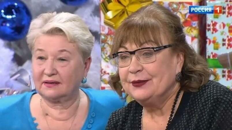 Кравченко зі своєю сестрою Олександрою Токарєвою