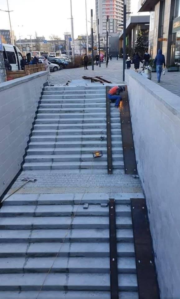 Пандуси у підземних переходах Києва обурили мережу