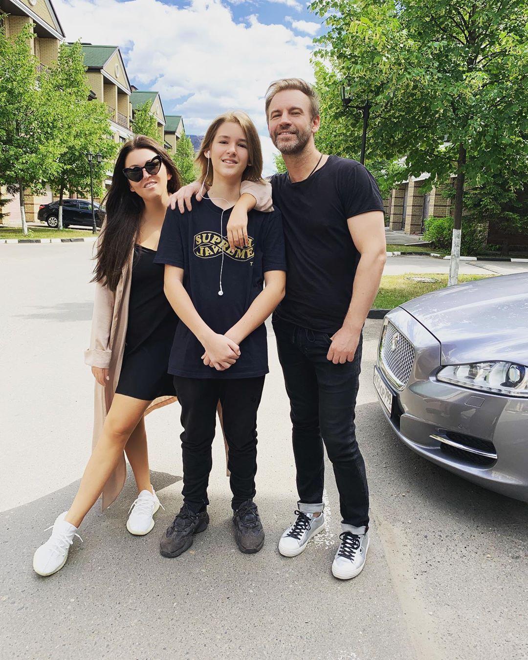 Ирина Дубцова с сыном и бывшим мужем Романом Черницыным, солистом группы PLAZMA