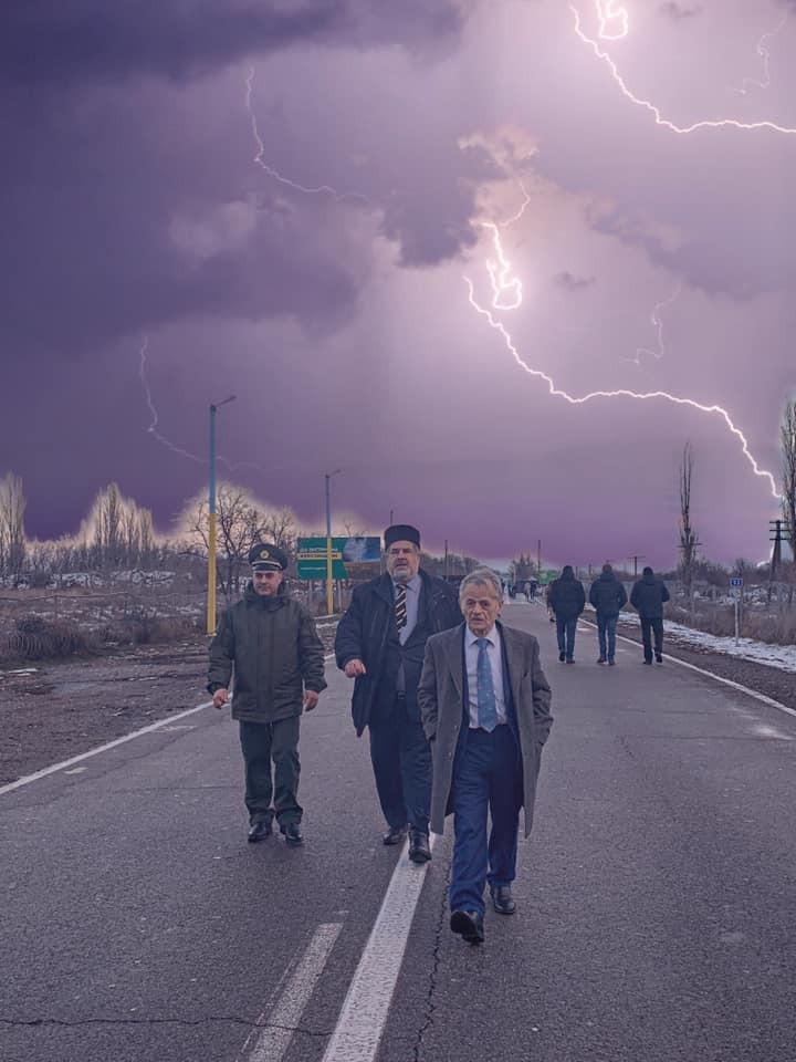 Знакове фото Джемілєва і Чубарова вразило українців
