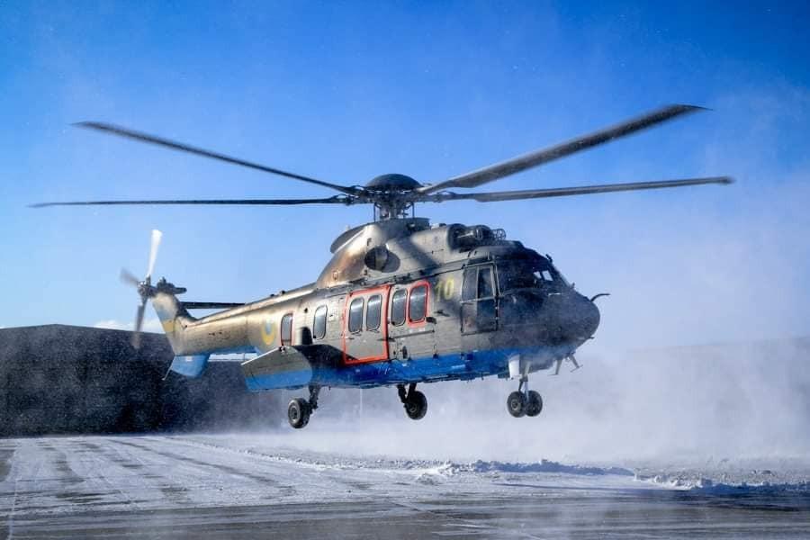 Авіатори НГУ вчилися керувати вертольотами Airbus Н-225 Super Puma