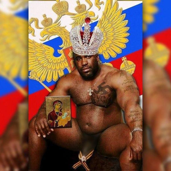 В РФ скандал из-за мужчины с георгиевской лентой на пенисе