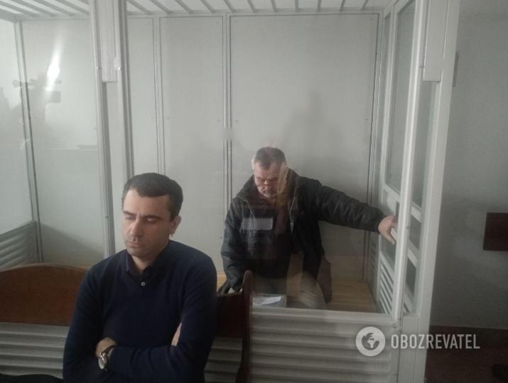 Батько Дмитра – Юрій Росошанський (праворуч) чекає вироку в СІЗО. Чоловік підозрюється у вбивстві сестри Світлани – Ірини Ноздровської