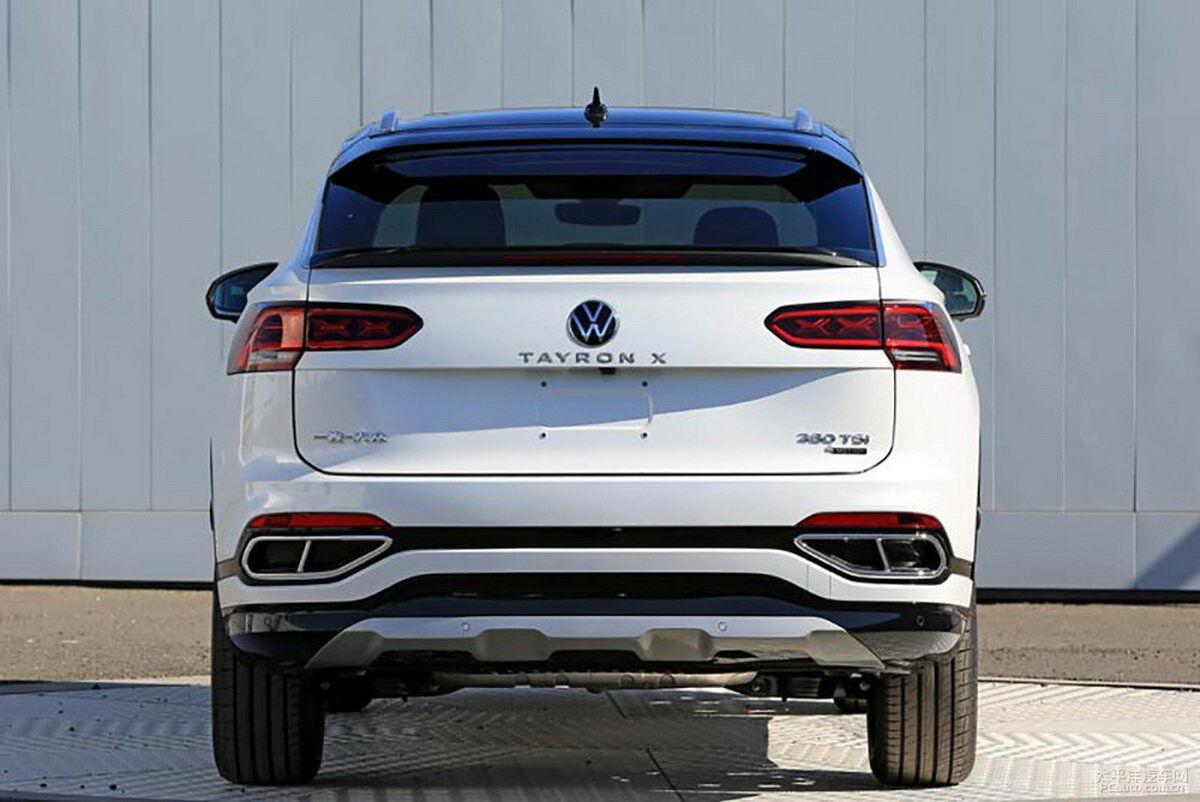 Високий багажник і спойлер – відмінні риси динамічного VW Tayron X