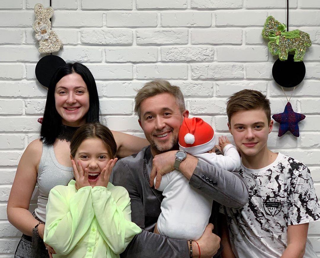 Сергей Бабкин и Снежана Бабкина с детьми