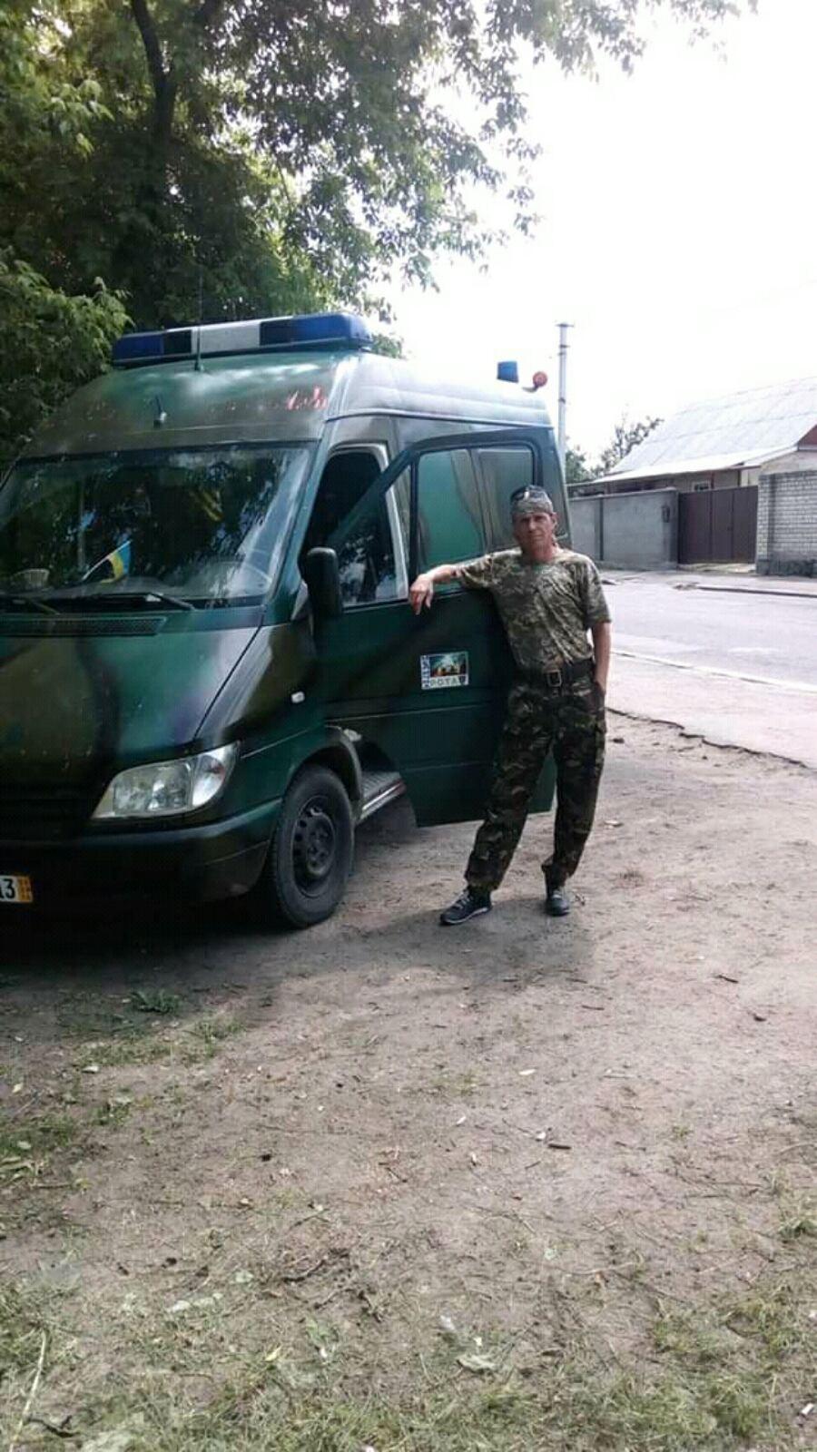Владимир вывозил раненых с поля боя