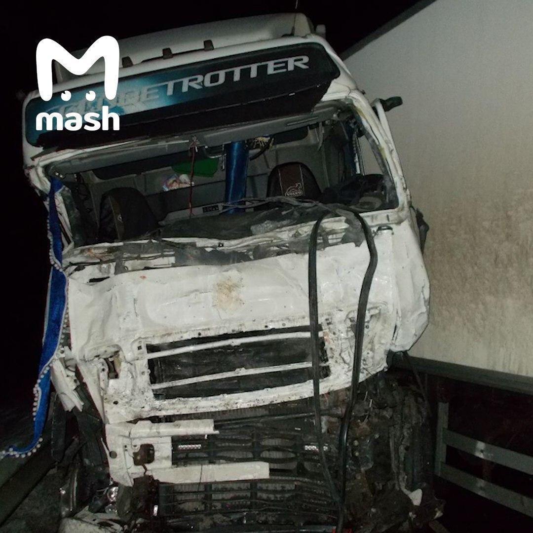 В России в лобовом ДТП погибли восемь украинцев