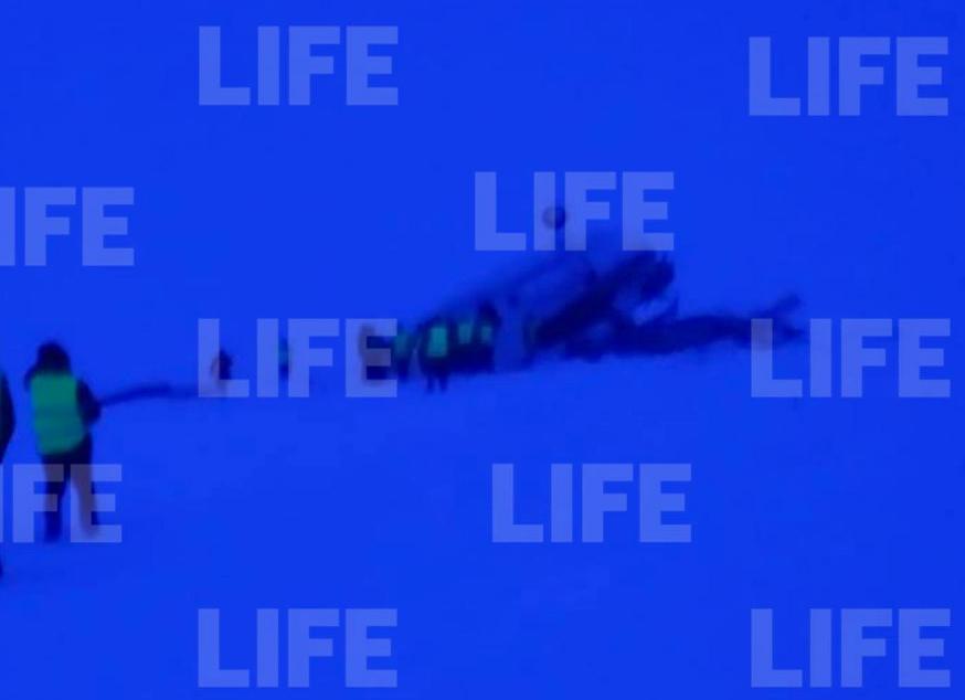Людей затиснуло в салоні: у Росії вертоліт здійснив аварійну посадку, є загиблі