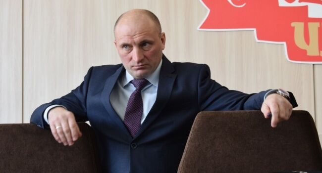 Сімейне авто Бондаренка продали за 1,4 млн грн