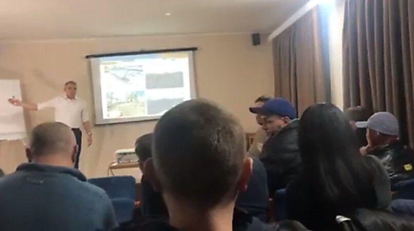 Меру Миколаєва не сподобалося обурення таксиста станом доріг