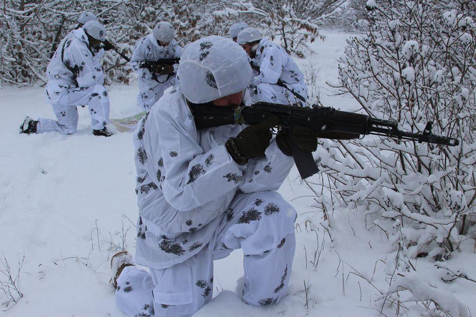 На побережье Азовского моря тренировалась горно-штурмовая бригада