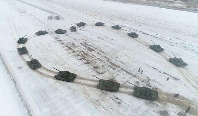 Предложение посреди танков