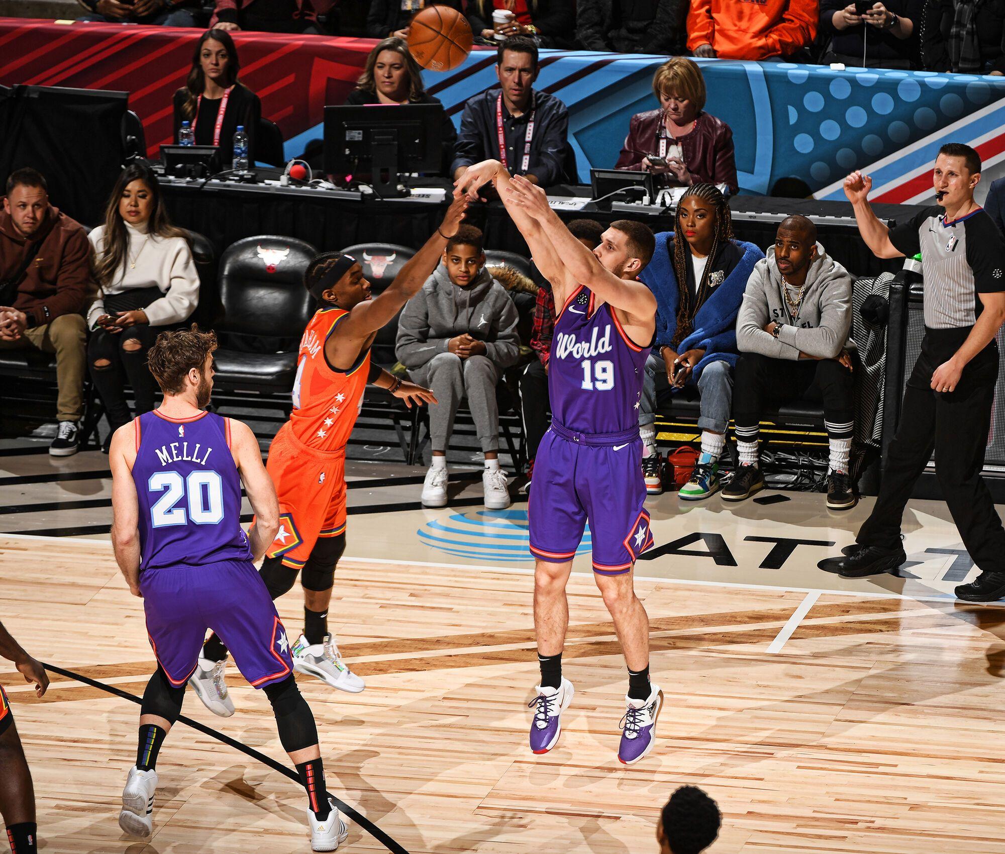 Святослав Михайлюк у матчі висхідних зірок НБА