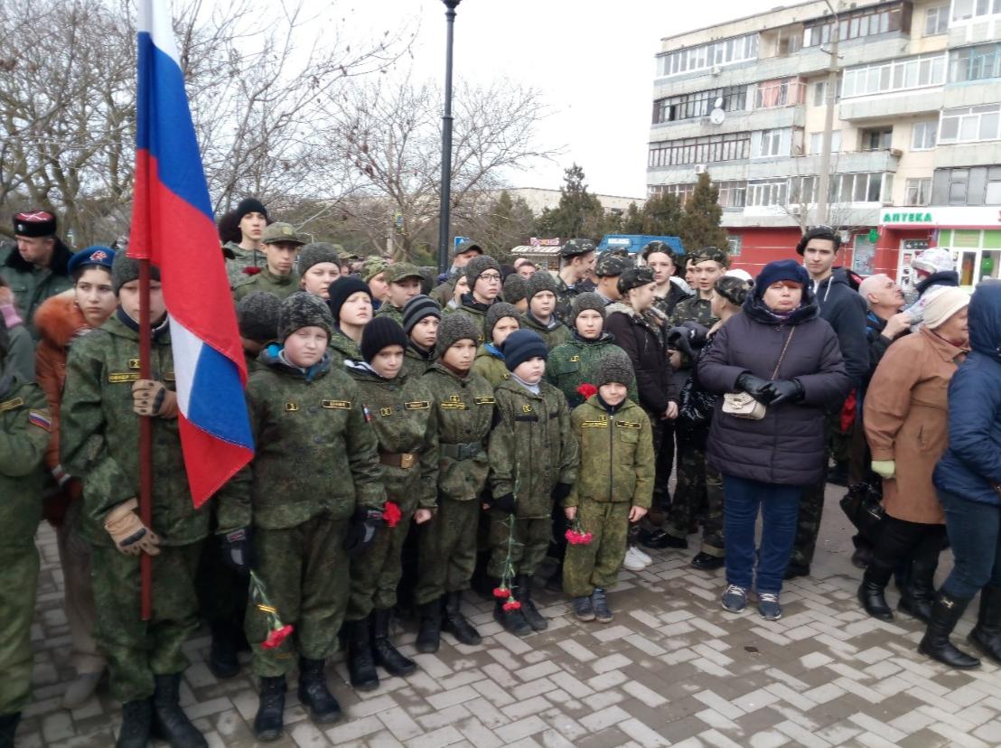В Крыму детям устроили праздник в военной форме