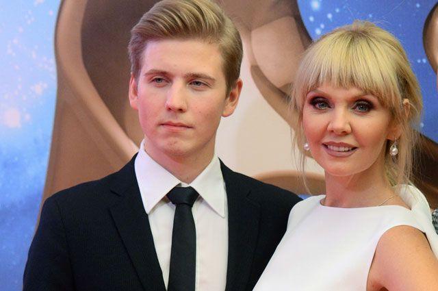 Певица Валерия и ее старший сын