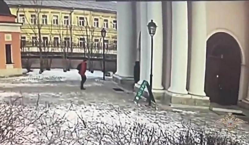 Резня в знаменитом храме Москвы: момент попал на видео