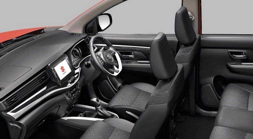 Дизайнеры постарались наделить салон Suzuki XL7 премиальной атмосферой