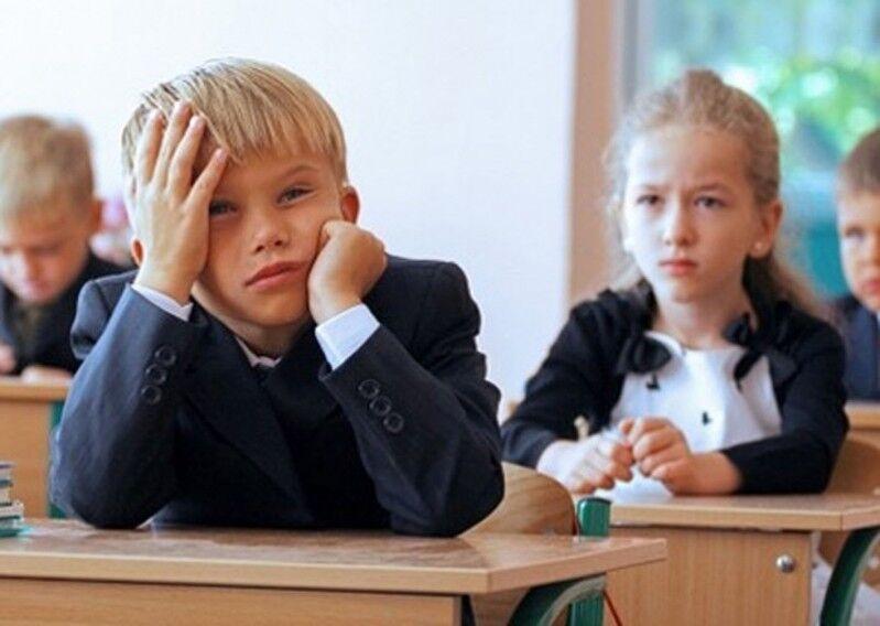 Учебный год в Украине изменят из-за карантина: что ждет школы