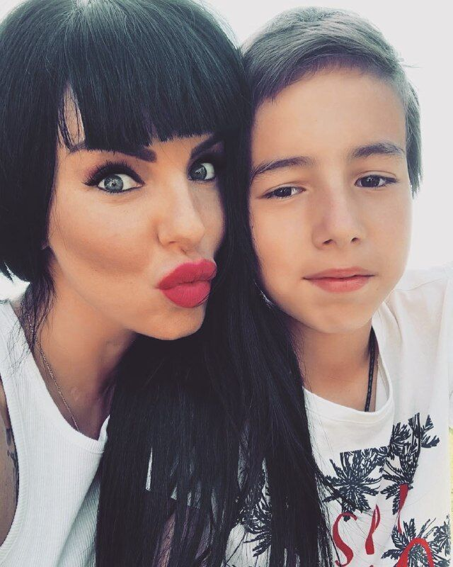 Юлия Волкова с сыном