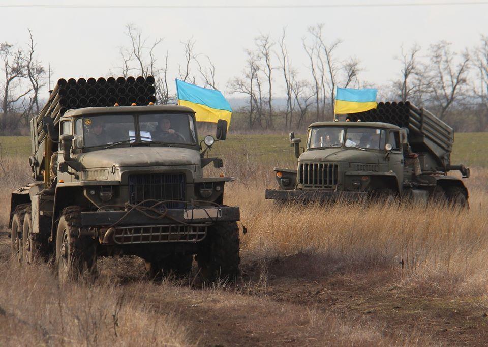 При дальнейшем разведении сил и средств Украина рискует потерять новые участки фронта