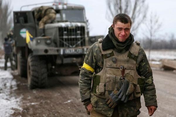 Військовий медик Данило Верещака під час боїв за Дебальцеве