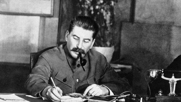 Сталин по-своему объяснял празднование 23 февраля