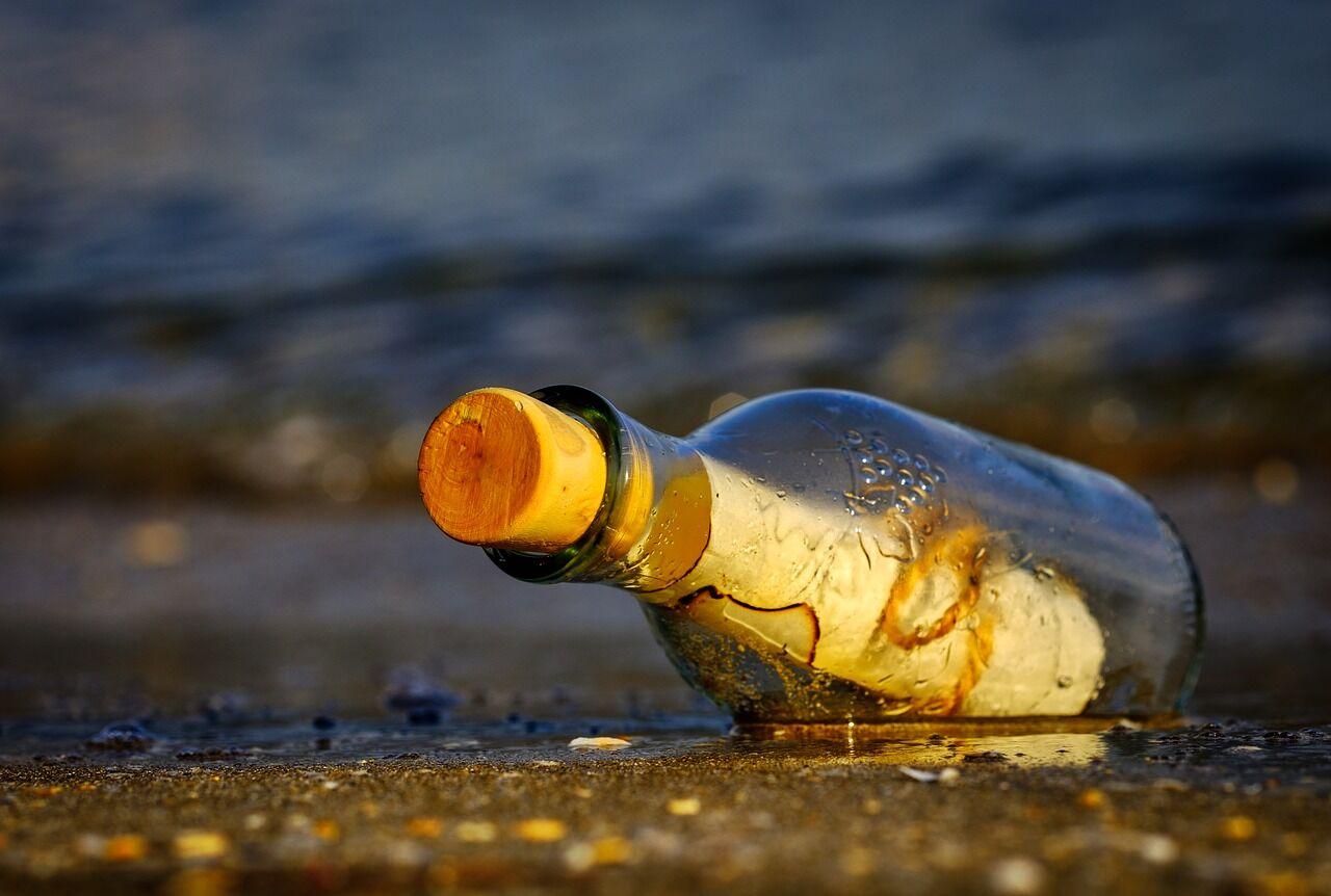 """""""Мама, прости меня"""": письмо в бутылке пережило захватывающее приключение"""