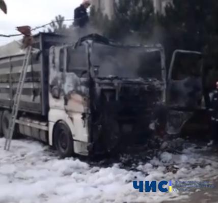 Водитель фуры угорел в своем авто в порту под Одессой