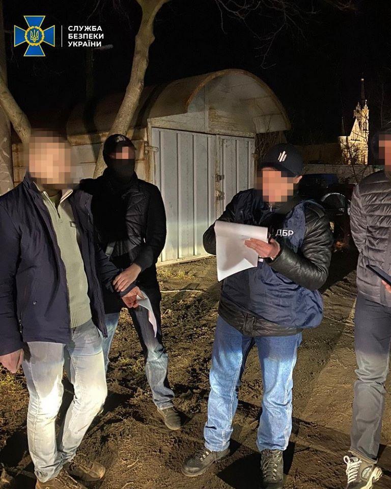 На Київщині поліцейський впіймався на хабарі