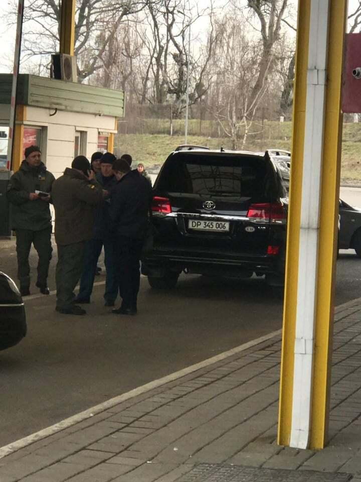 На кордоні України затримали дипломата з контрабандою