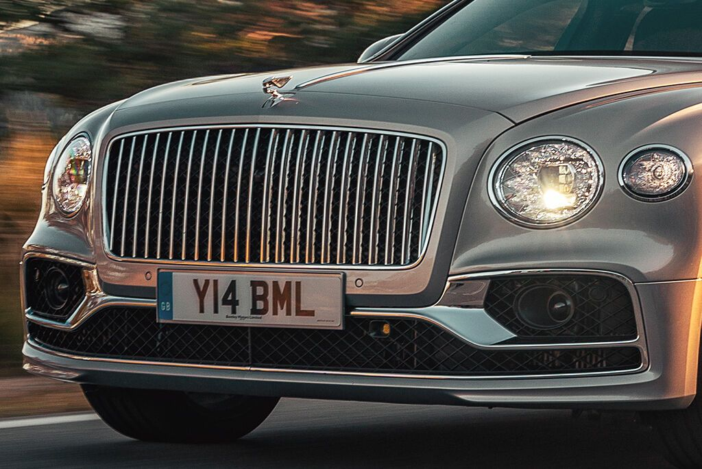 Bentley Flying Spur получил более выразительный дизайн облицовки радиатора