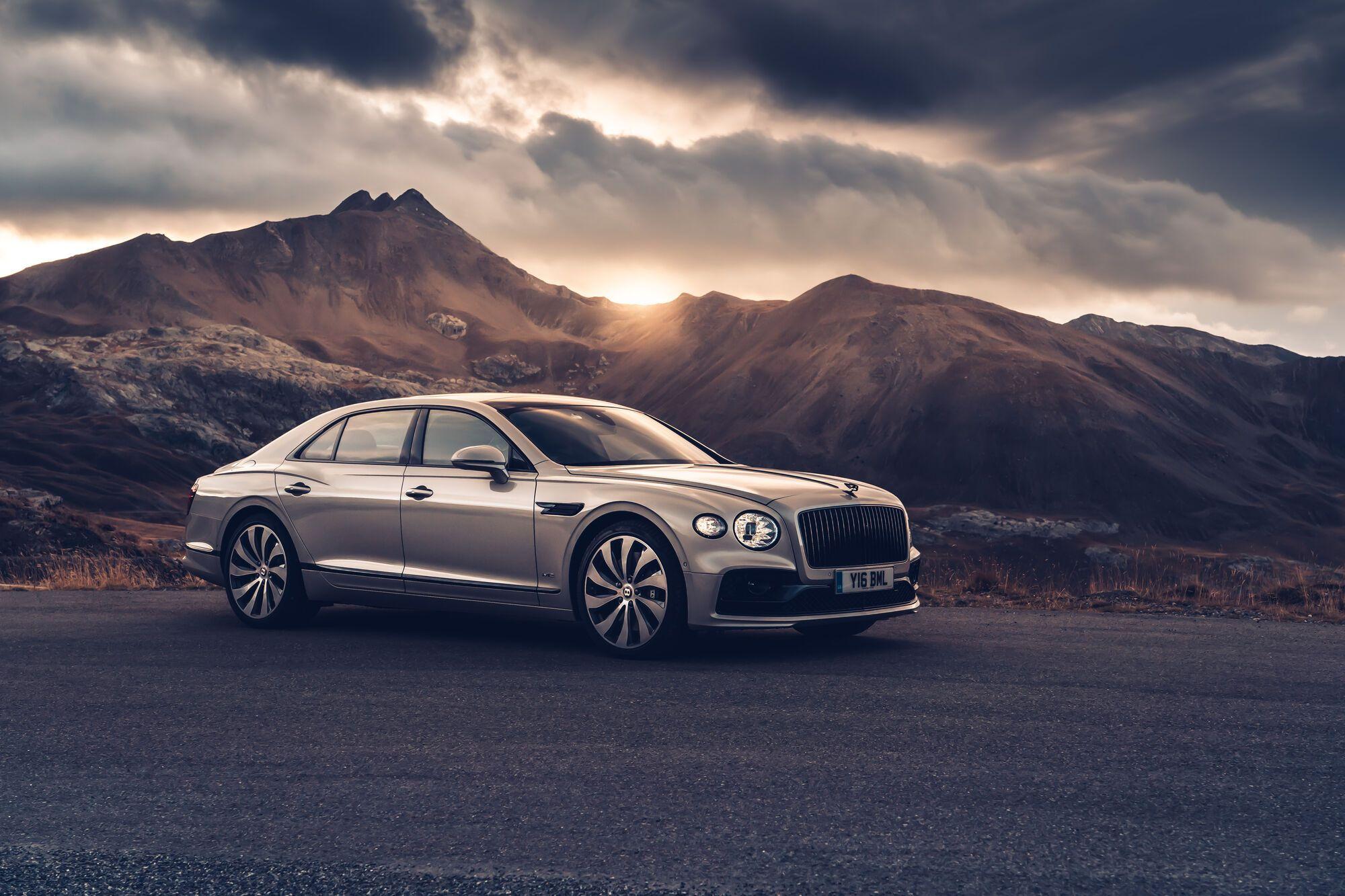 Активное использование в конструкции Bentley Flying Spur алюминия позволило снизить вес новинки