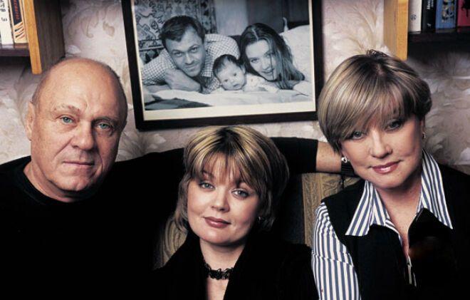 Вера Алентова с мужем и дочерью