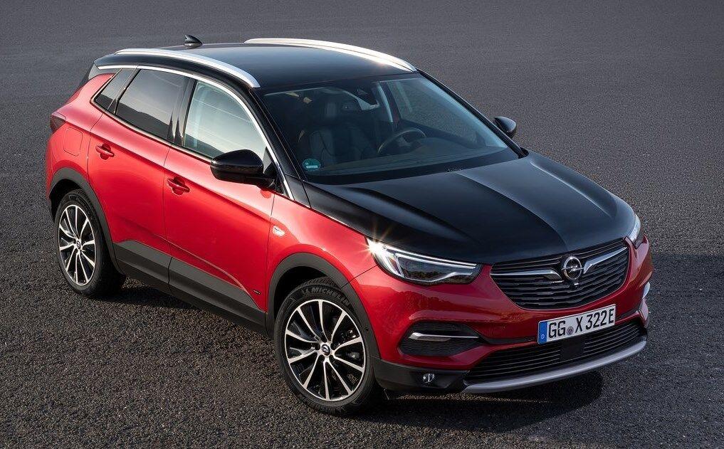 Opel Grandland X Hybrid4 – гібридний повнопривідний кросовер, в якому передні колеса обертаються завдяки ДВЗ, а задні – за допомогою електротяги