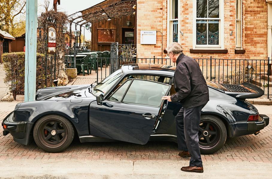 Porsche 911 c пробегом 1,3 млн км и его владелец