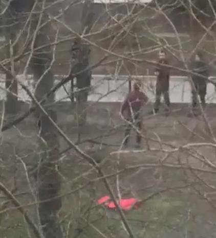 Во Львове выкрали человека: видео драки с похитителями