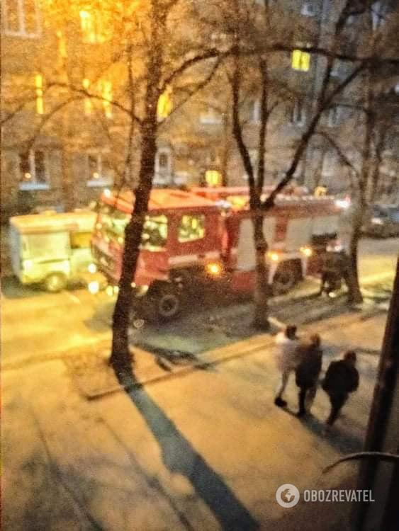 В Киеве подожгли жилой дом: подробности и фото