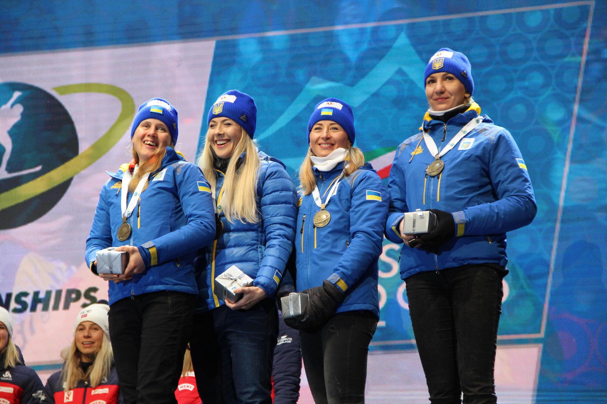 Сборная Украины на медальной церемонии
