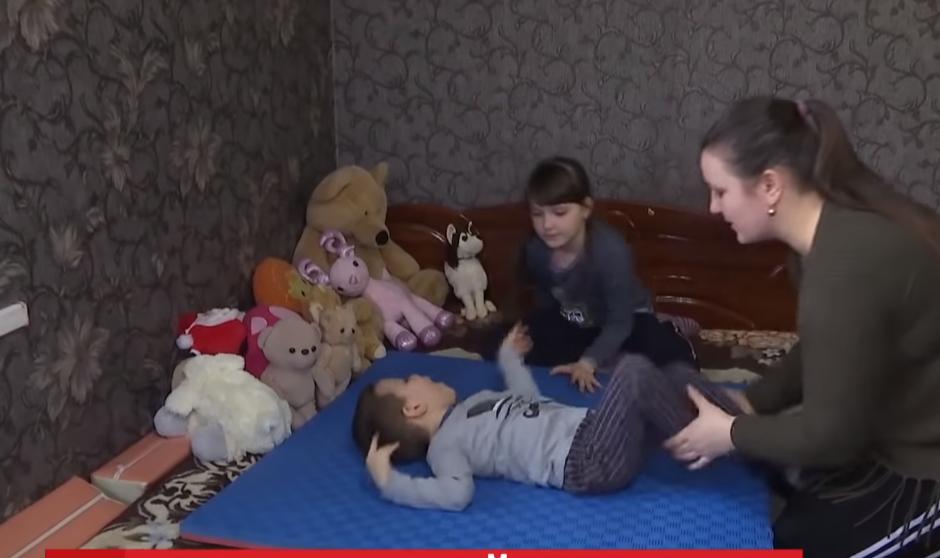 Галина с детьми сидит в изоляции