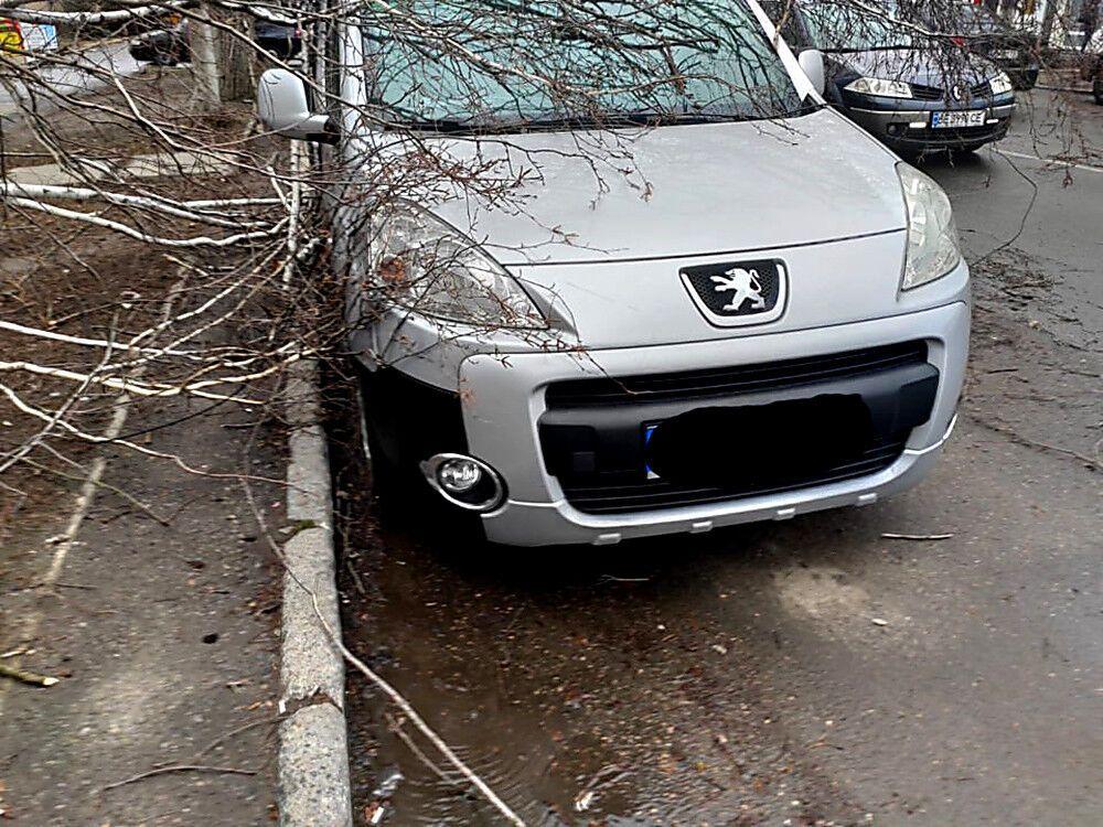 Ураганный ветер в Николаеве