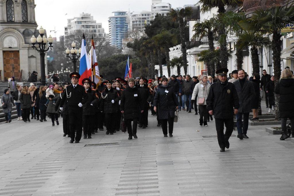 Военная пропаганда для детей в Крыму