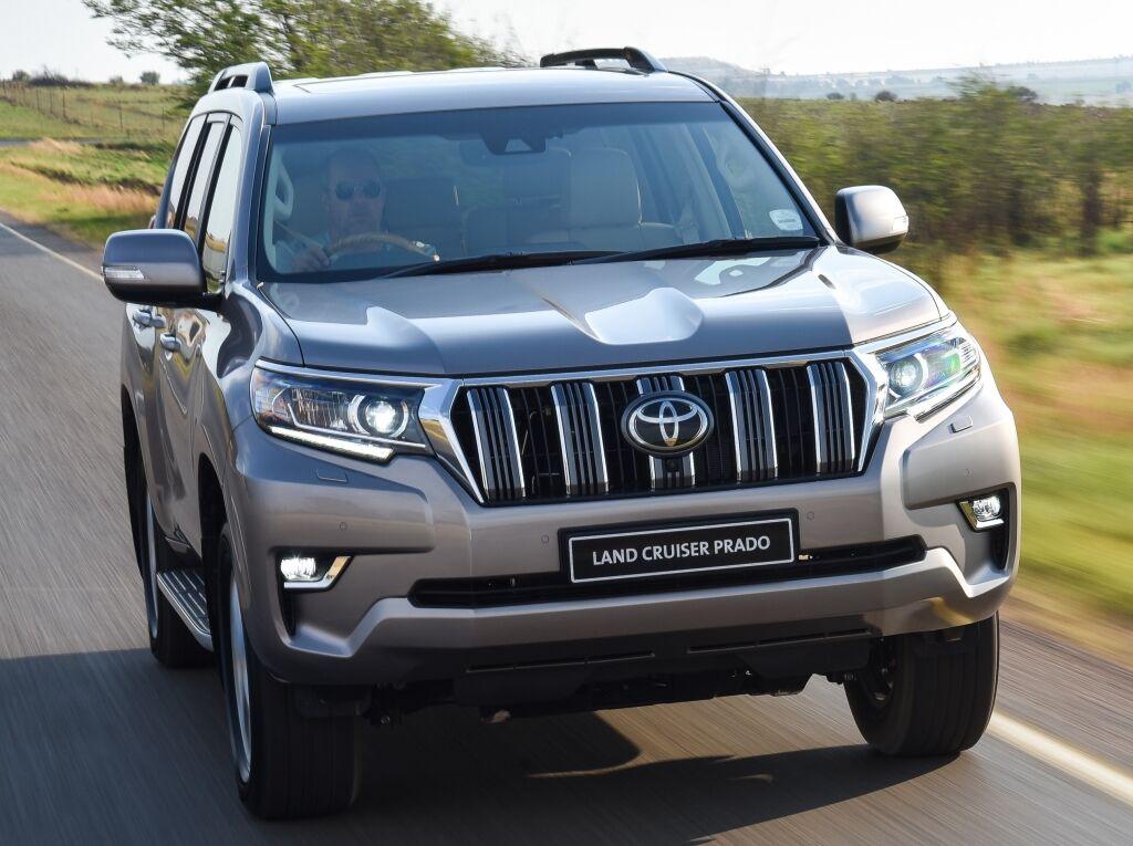 УАЗ чомусь хоче змагатися з Toyota Land Cruiser Prado