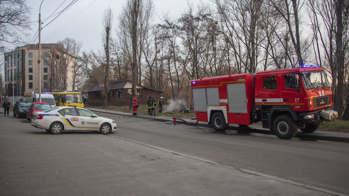 В Киеве в горящем коллекторе нашли три тела