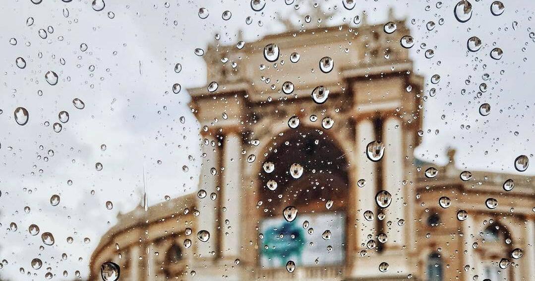 Хмарно з дощами: синоптики попередили Одесу про кепську погоду