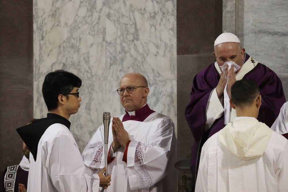 Папа Римський захворів