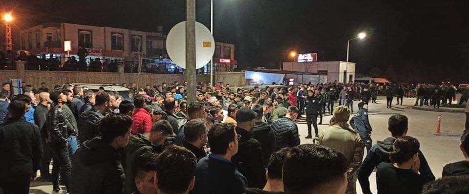 Турки пришли поддержать раненных военных