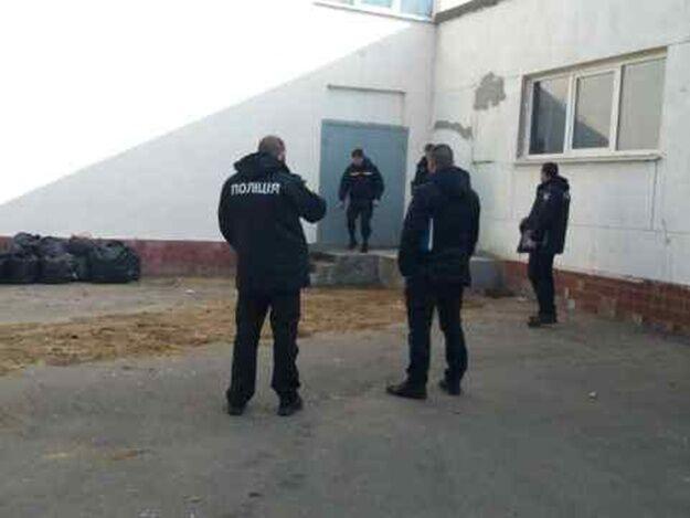 У дворі одеської школи розлили лізол
