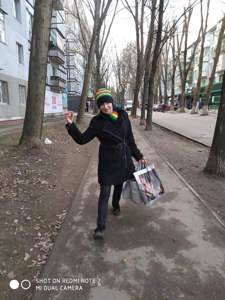 У Дніпрі медсестра-сектантка напала на дітей посеред вулиці